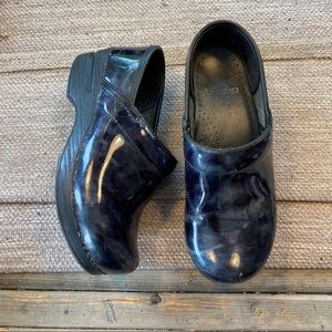 Dansko blue marble professional clogs size 36/ 6